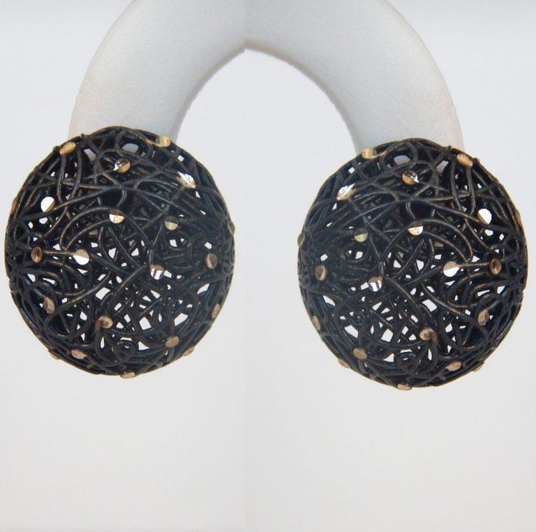 button-earrings-768x762