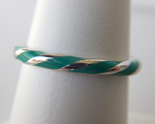 sterling silver twisted green enameled band
