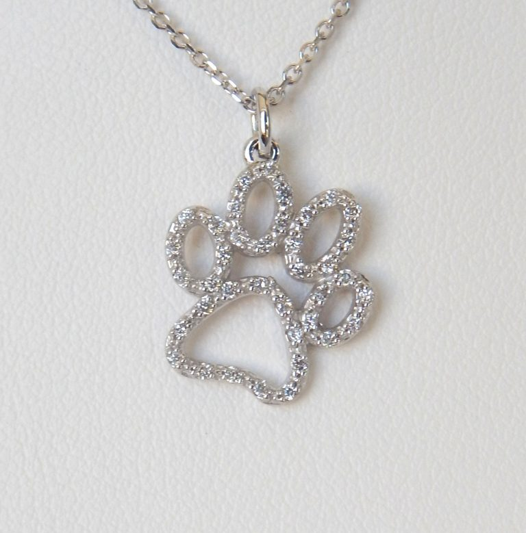 diamond paw print pendant in white gold setting