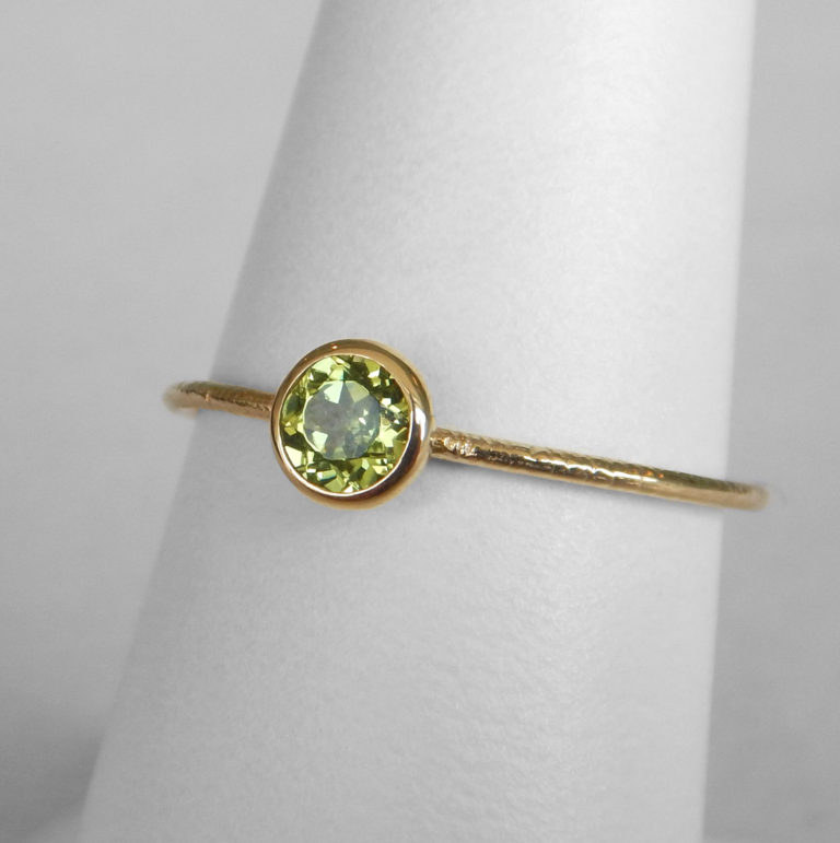 peridot stacking ring