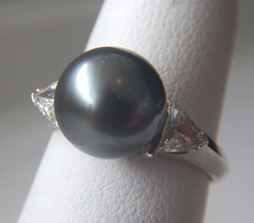 white gold tahitian pearl and diamond ring