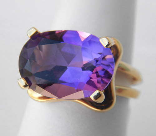 yellow gold amethyst cocktail ring