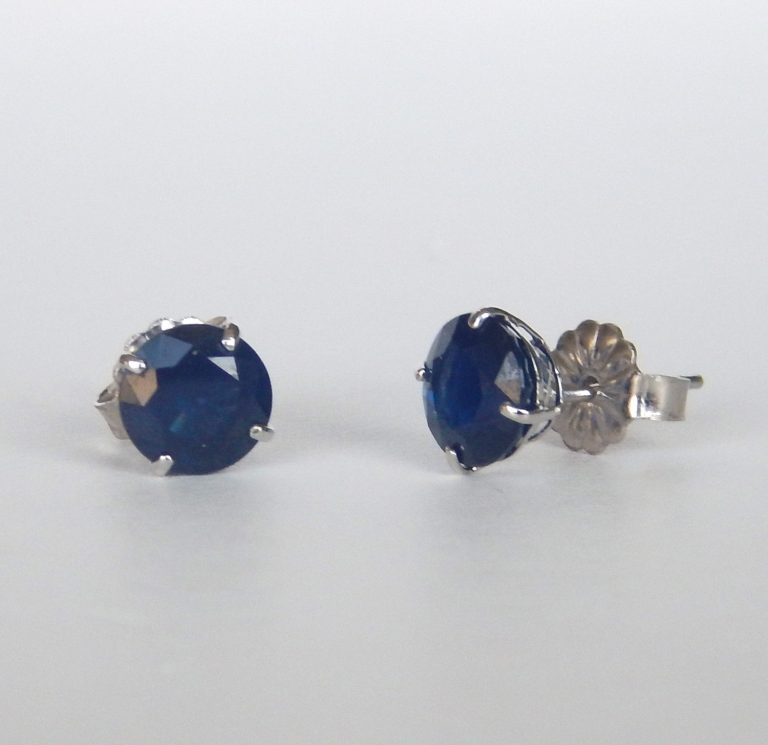 sapphire stud earrings in white gold setting