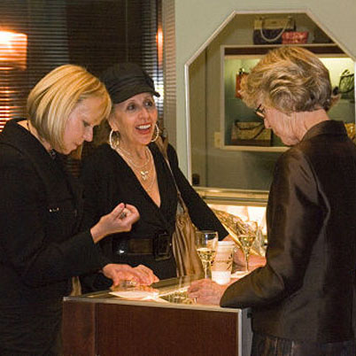 women shopping for jewelry at a jewelry store in milwaukee