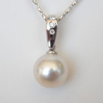 white gold akoya pearl and diamond pendant