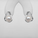 contemporary white gold pearl earrings