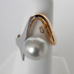 two tone gold pearl ring