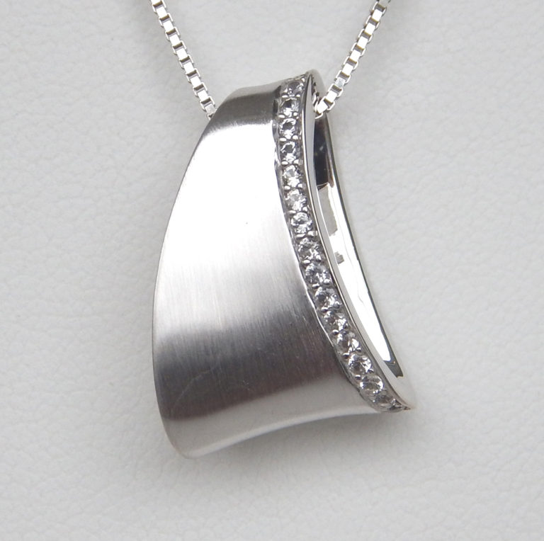 white sapphire sterling silver necklace