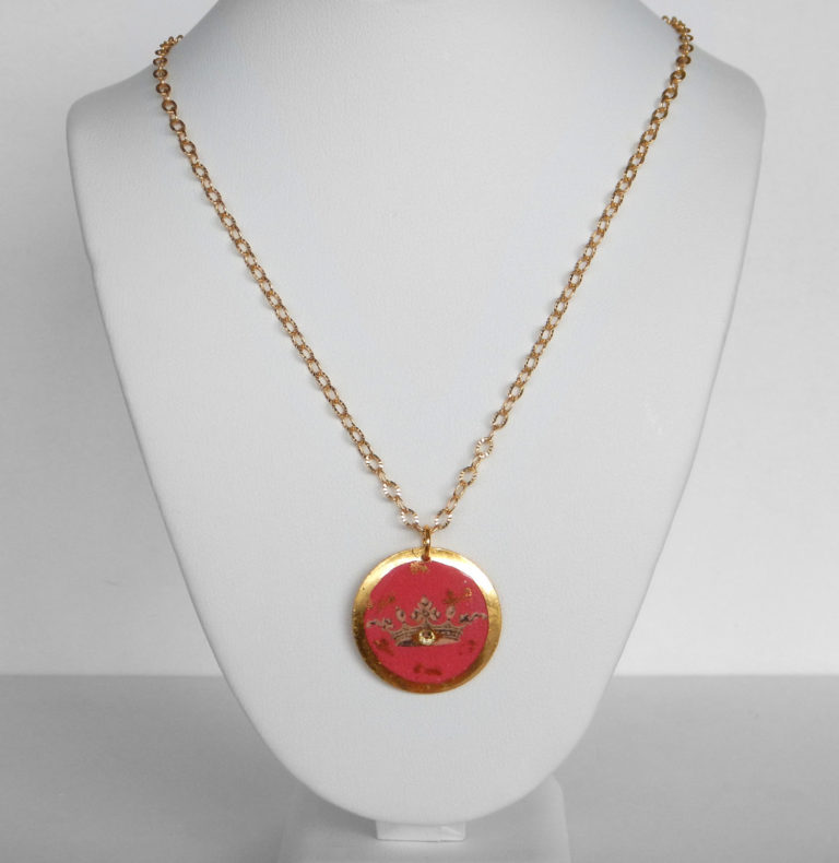 yellow gold leaf pink crown necklace