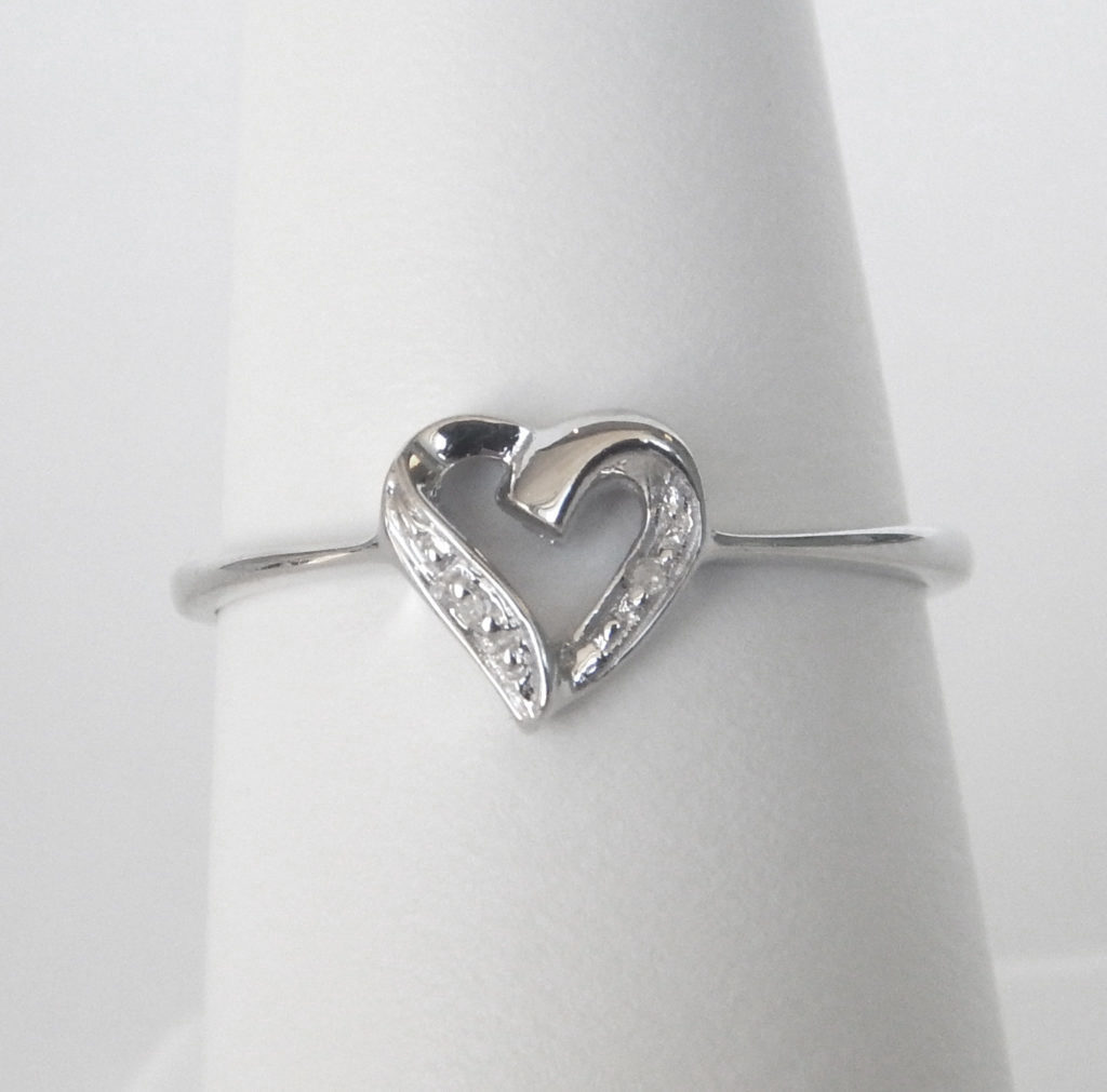 diamond heart ring sterling silver