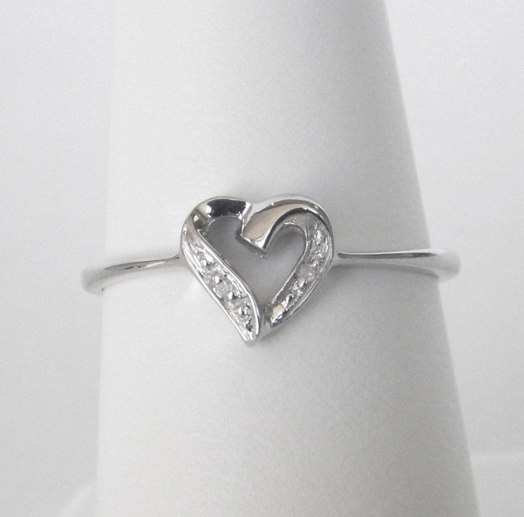 diamond heart ring sterling silver