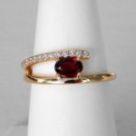 yellow gold garnet and diamond fashion ring