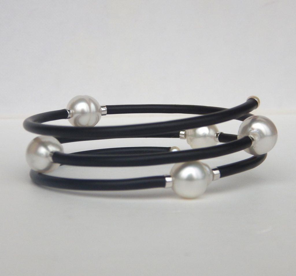 pearl wire bangle