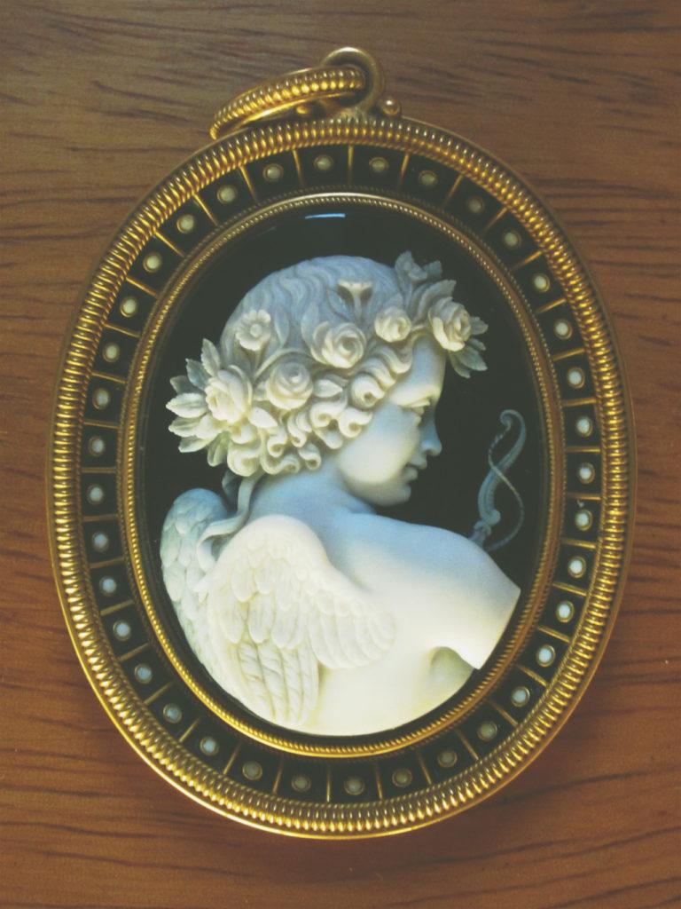victorian cameo pendant