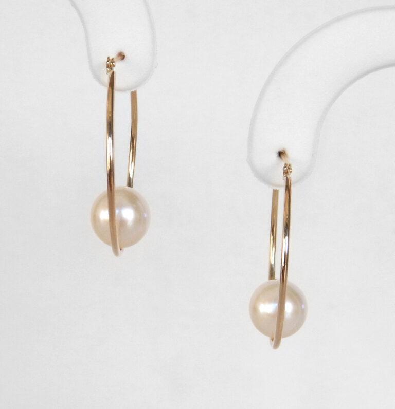 yellow gold pearl hoop earrings
