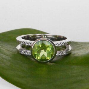 white gold peridot fashion ring